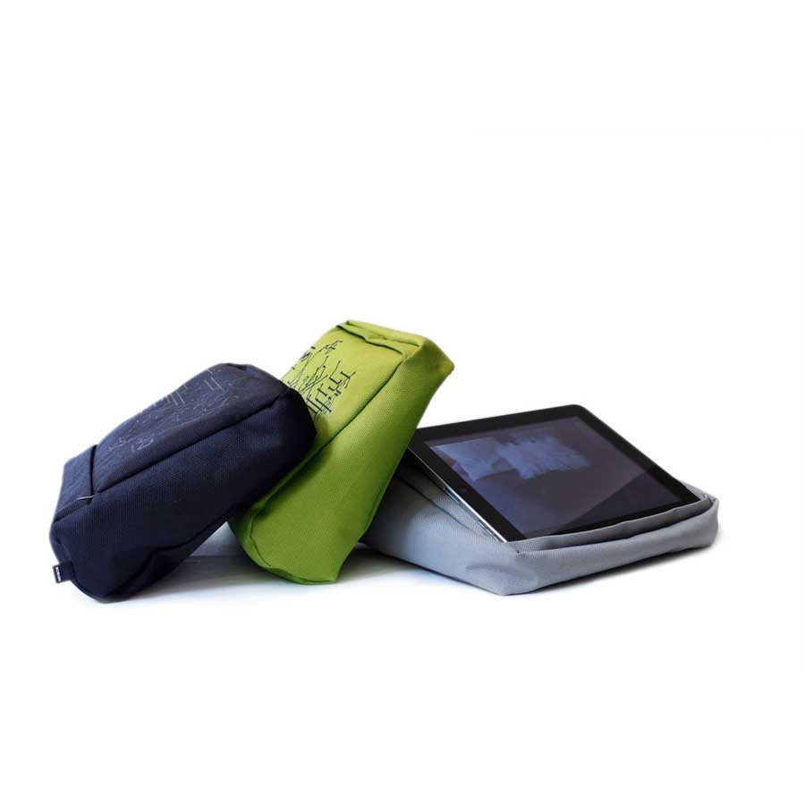 Tabletpillow Hitech för iPad / tablet PC Silver / Svart. Polyester