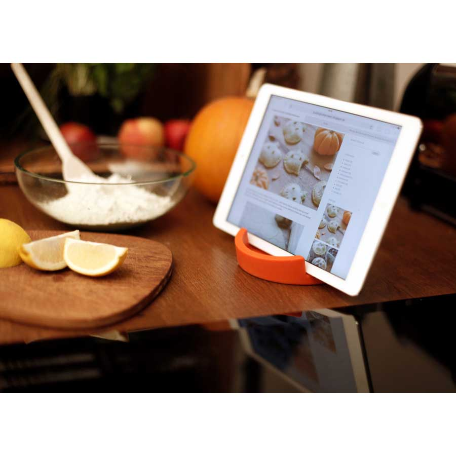 iPad ställ Kitchen Tablet Stand. Kokboksstöd för iPad/tablet PC - Orange. ø11,4 cm, 4,5 cm hög. Silikon - 4